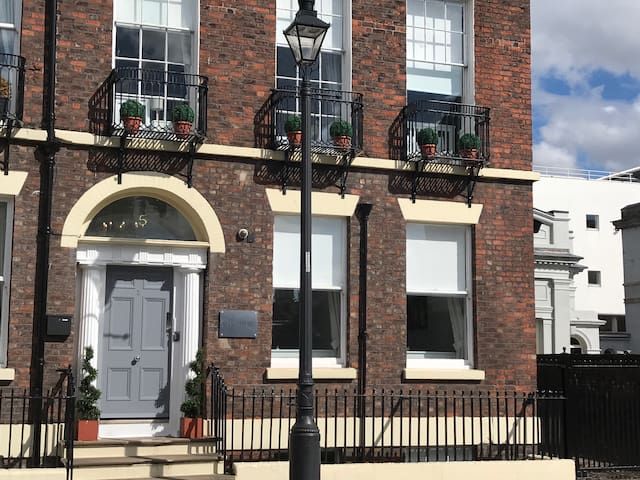 Grade II listed building up to 35 guests