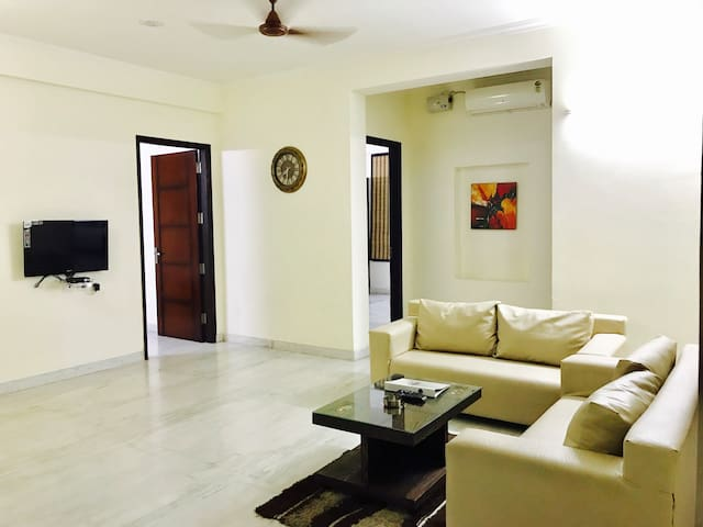 OLIVE 1 BR Apt with Kitchen @ Golf Course Road