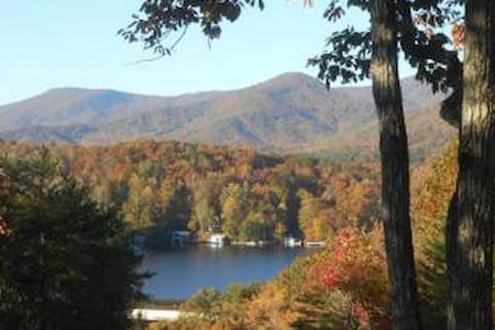 HideAway in Lake Lure - 레이크 루어(Lake Lure)