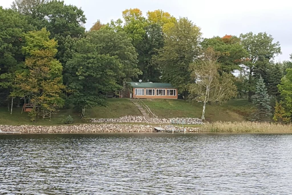 Pet Friendly Cabin On 6 Acres 165ft Of Shoreline Cabins