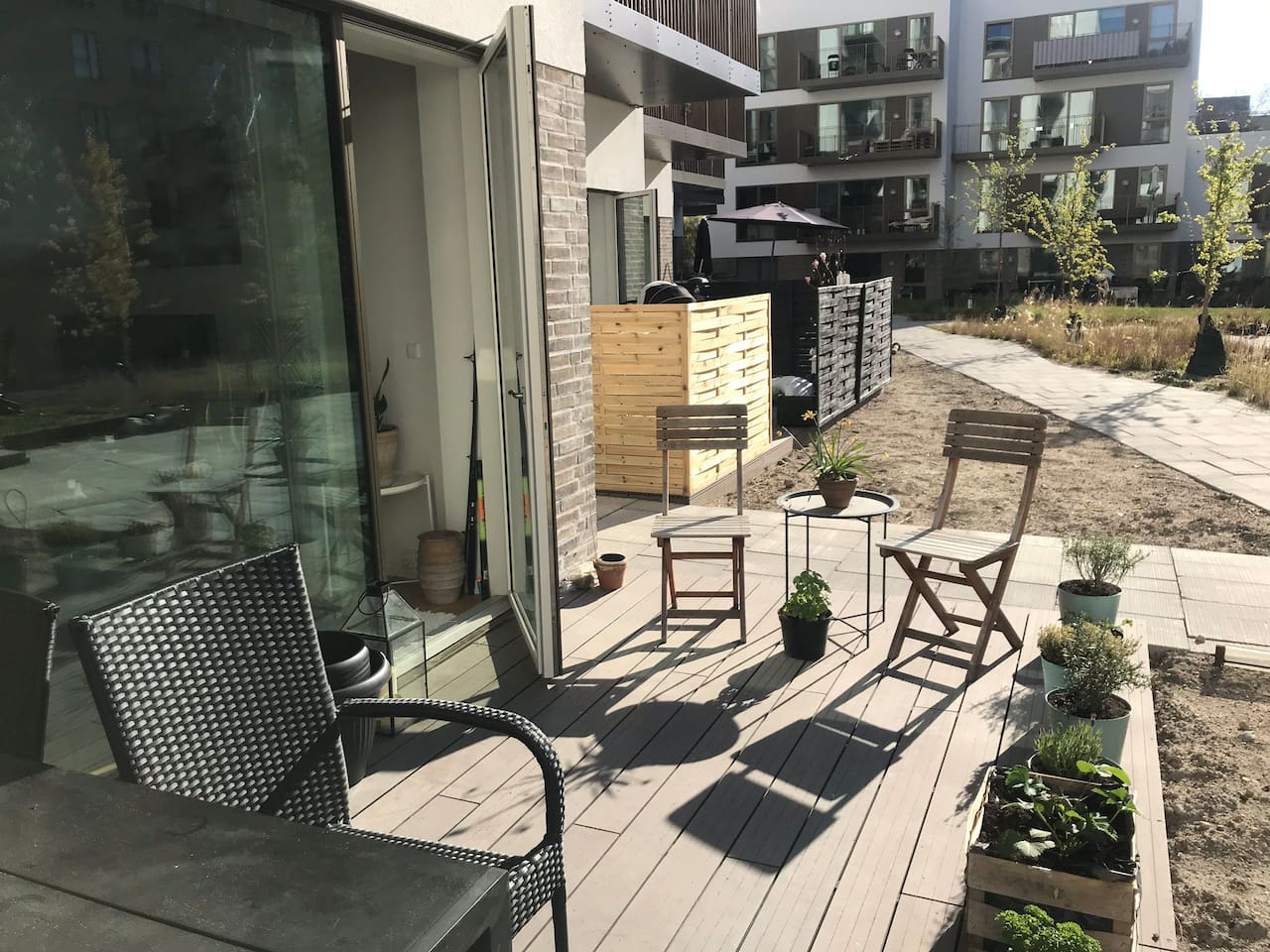 Terrace with sun until late afternoon