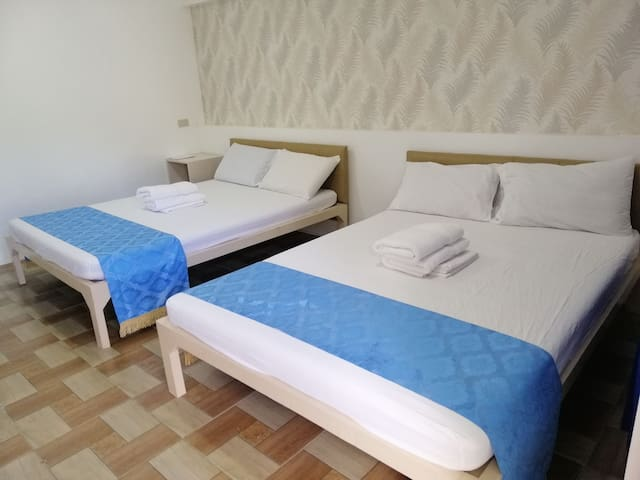 4000/per night STANDARD DELUXE GOOD FOR FOUR