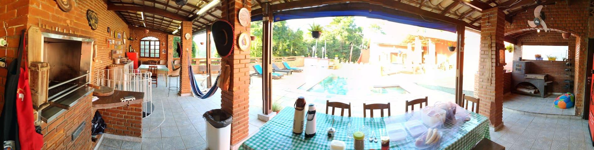 Aluguel Casa de Campo piscina p/ Festas e Eventos