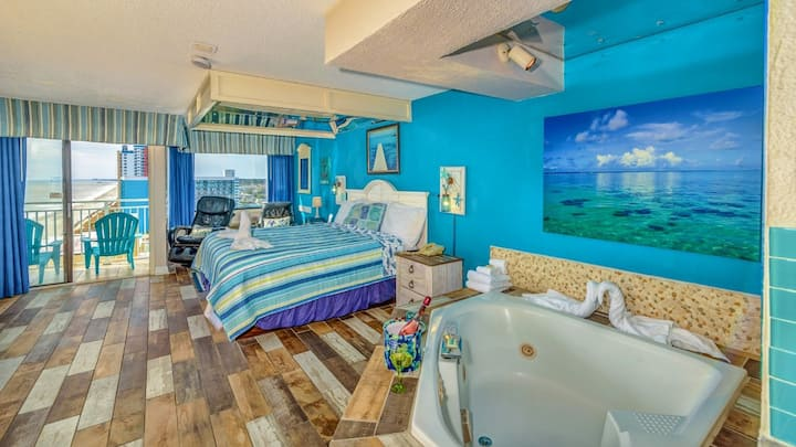 Oceanfront Romance Suite with Jacuzzi~SM51513