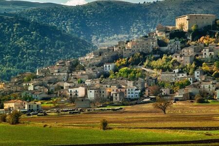SOTTO LE VOLTE - Abruzzo,terra autentica da vivere - Navelli - Bed & Breakfast