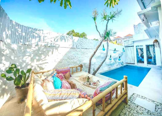 Private 2 bedrooms Villa Bohemian style   Uluwatu