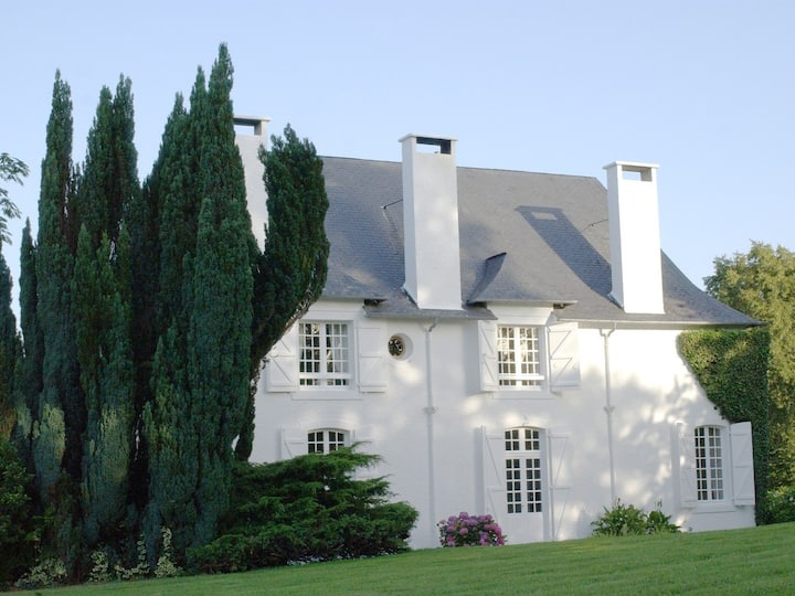 18th Century Manor House - 5 bedrooms - pool