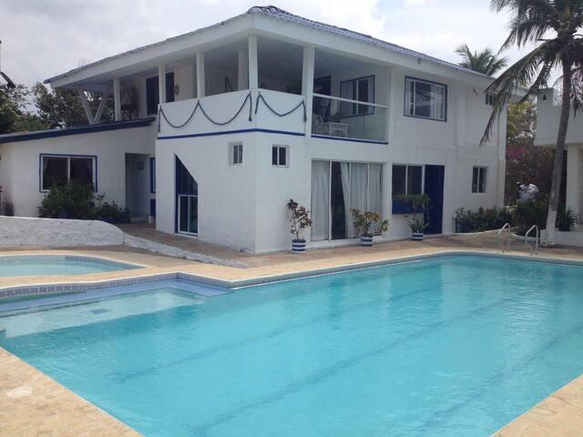 Casa de Playa Perissa