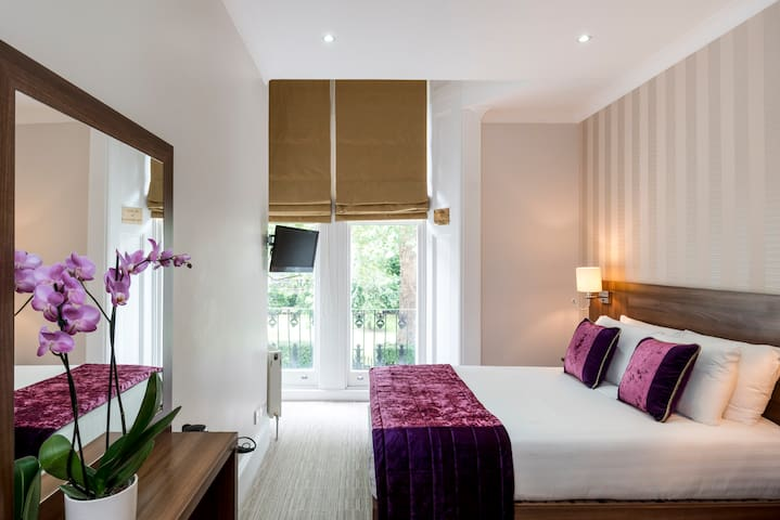 Double Garden View room - London House Hotel***