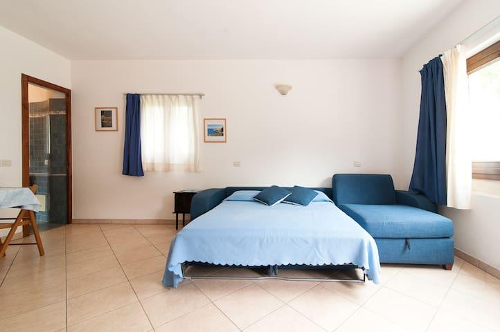 "LOVELY HOLIDAY ""LA DIMORA DI ULISSE"" (M5) -SALENTO - Santa Cesarea Terme - Huoneisto"