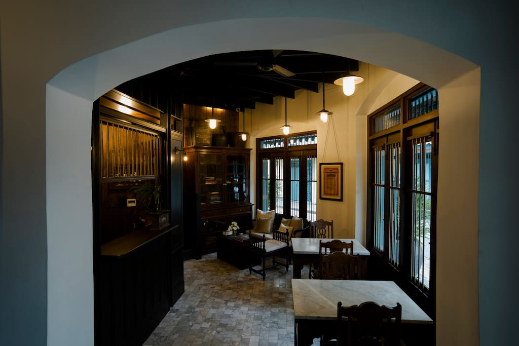 The common areas offer homely exclusivity with friendly Thai-styled service