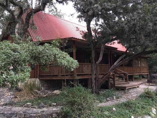 Oak Hill Lodge