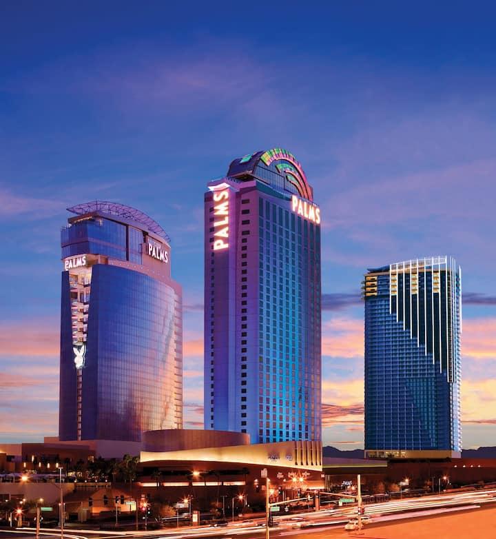 High Floor-Open Balcony-Strip Views-No resort fee