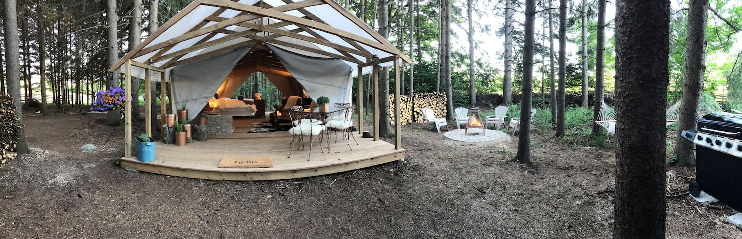 Glamping at Alabaster Acres - The Copper Retreat