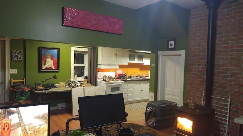 Quaint, Quite artists house - Country home - Jasper - Casa