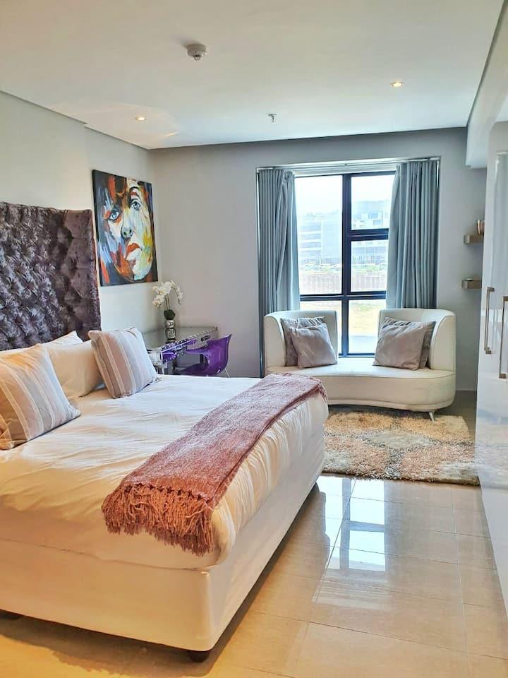 Luxury Studio @ The Capital Pearls