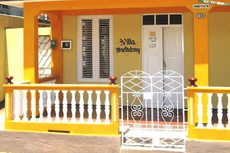 Villa Barthelemy - Baracoa - Bed & Breakfast