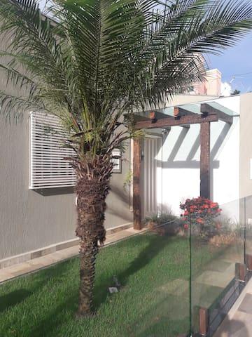 Studio/Casa em frente ao Praia Clube!