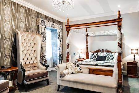 Deluxe Double Room in OYO Dryfesdale Hotel