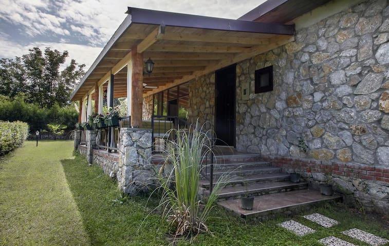 SAPANCA MÜSTAKIL BAHCELİ SESSİZ SAKİN - Sapanca - Villa