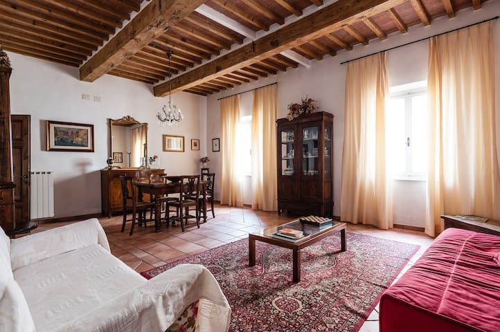 casa storica - Cascina - House