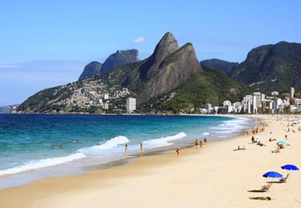 Praia do Leblon a apenas 400 metros do apartamento - Leblon beach only 400 meters walk from the apartment
