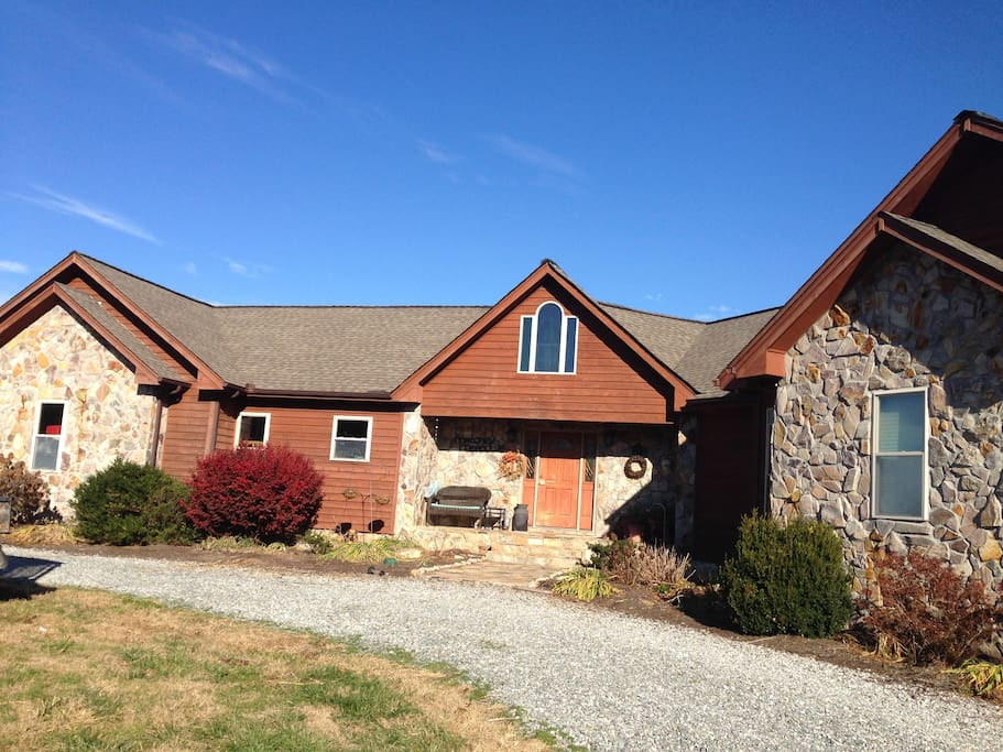Maloney Meadows - 225 acres of walking trails & beautiful outdoor living space