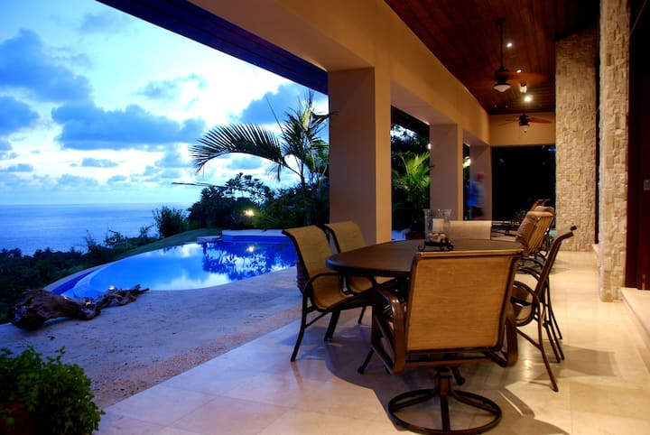 Luxurious Villa Retreat with a Spectacular View