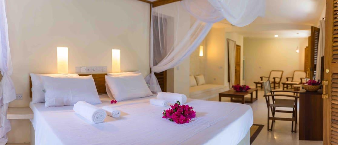 honeymoon suite in kenya
