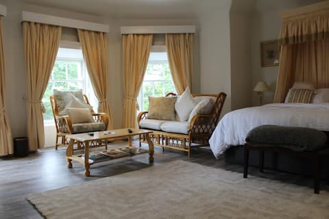The Lambay Suite at Killeen Terrace