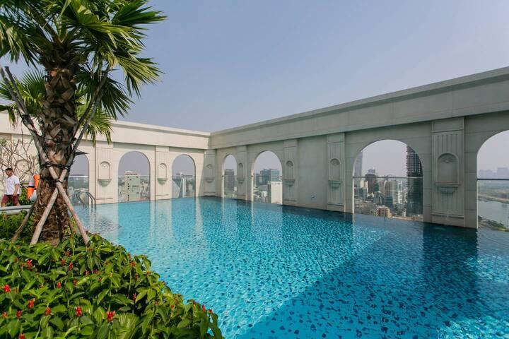 1BR apt high floor ★ free rooftop pool, river view