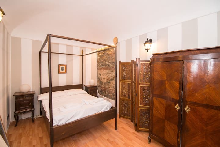 Central APT a 700 meters from Piazza V. Veneto! x4