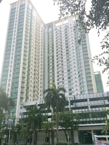 Solinea Tower 1 Facade