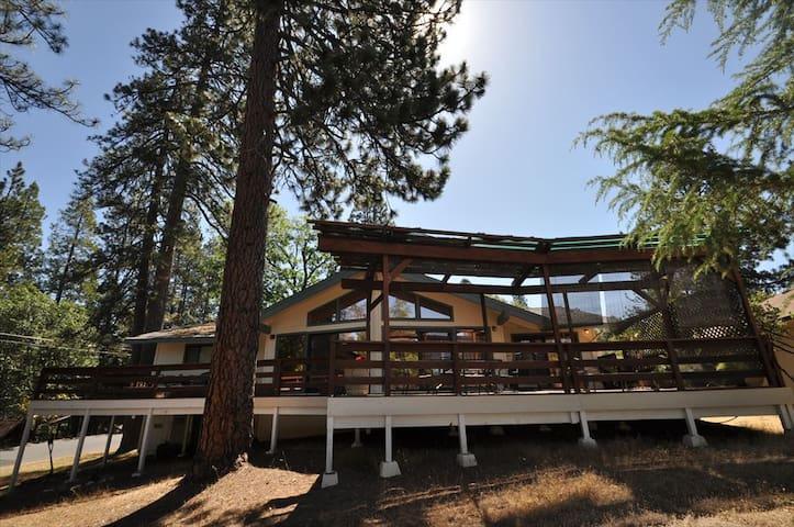 La Casa Del Sol: WIFI Sleeps7 Near Yosemite