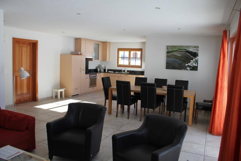 Küche, Wohn- und Essbereich im Erdgeschoss