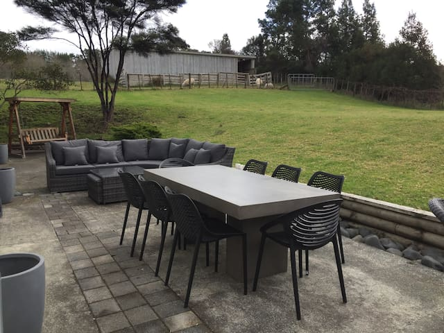 Outside Area - Outdoor furniture and spa