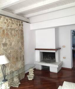 Nice room with Bathroom-Stanza con bagno, ospedale - Pescara - Talo