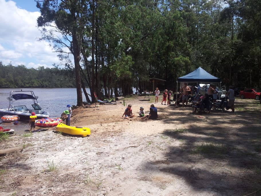 River space for BBQ & parties