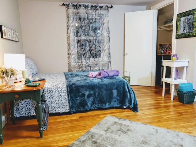 Fabulous Private Room in Needham w/Parking