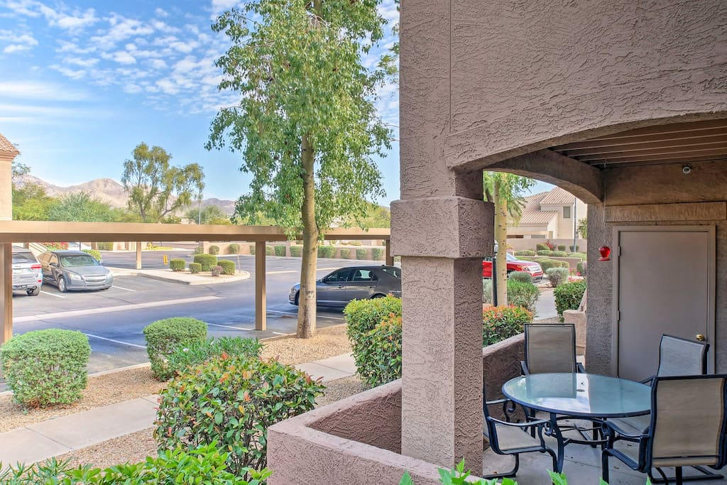 Enjoy views from the patio, or head out to take advantage of the amazing community amenities, including swimming pools, a sauna, fire pit and fitness center!