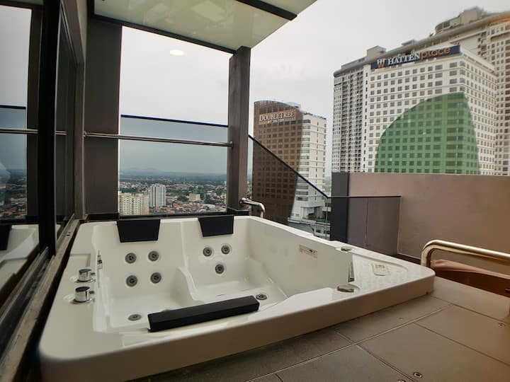 JACUZZI ROMANTIC EUROPEAN HOME @WEEKENDHOME MELAKA