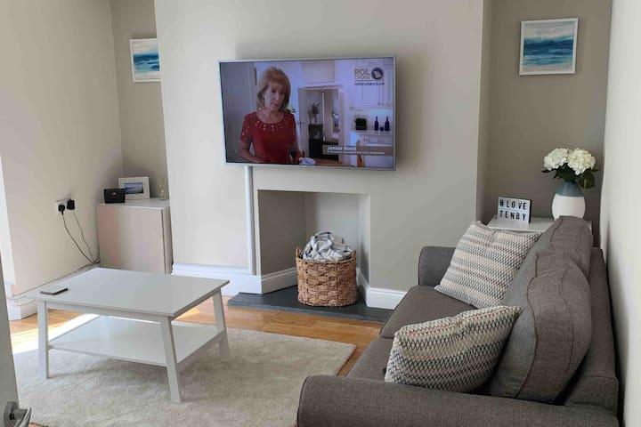 Luxury stunning Tenby Home  *NEW*  Winter deals*