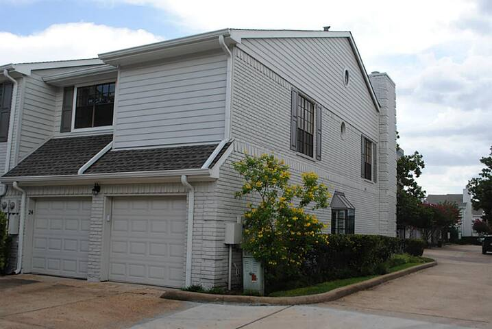 3BR 2.5BA Townhouse near Galleria (Greater Uptown) - Houston - Townhouse