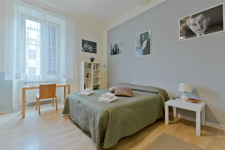 De Niro Room Roma(Only 200 meters to station!) - Roma - Flat