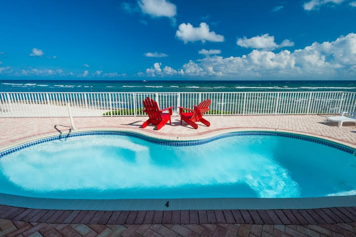 Parrot-ise Private Luxury Villa in Cayman Kai