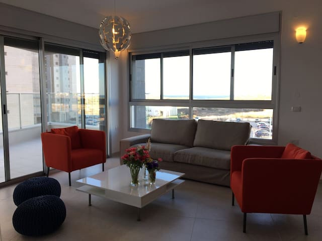 Comfortable Apartment with Sea view - Hadera - Apartamento