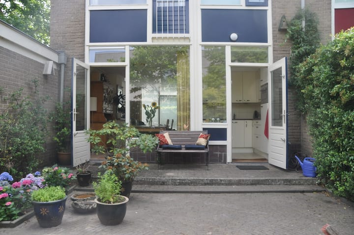 Lovely home close to city center and Amsterdam