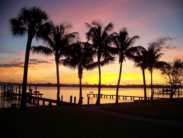 PARADISE ON THE INTRACOASTAL / ST LUCIE RIVER - Palm City - Guesthouse