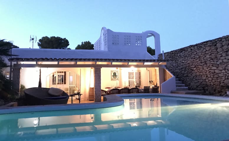 Charming Luxury Villa close to Ibiza