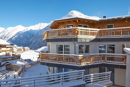Fantastically located 2 bedroom, 2 bathroom 82 SqM apartment in the dual season alpen resort town of Solden. The apartment is located 20 meters from a beginner ski run which runs direct to the gondola and is linked to all of Solden's 154 KM piste.